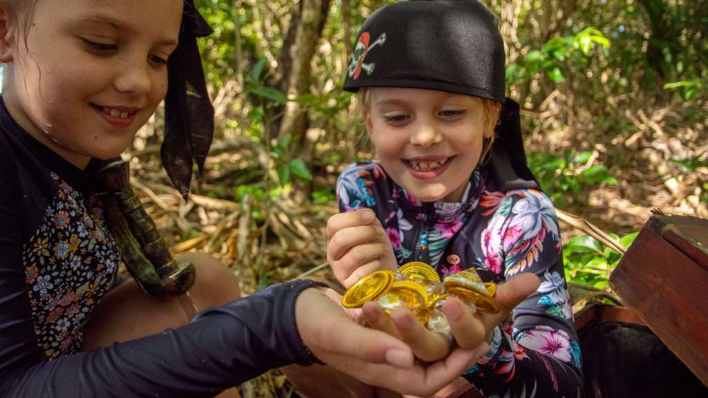 Frankland Islands kids activities treasure hunt